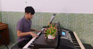Học đệm Thánh Ca - Trung tâm âm nhạc Upponia
