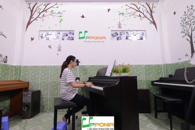 Học đệm Thánh Ca -Trung tâm âm nhạc Upponia