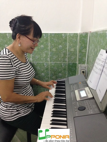 Chị Yến - Lớp đàn organ ở Thủ Đức của Trung tâm âm nhạc Upponia