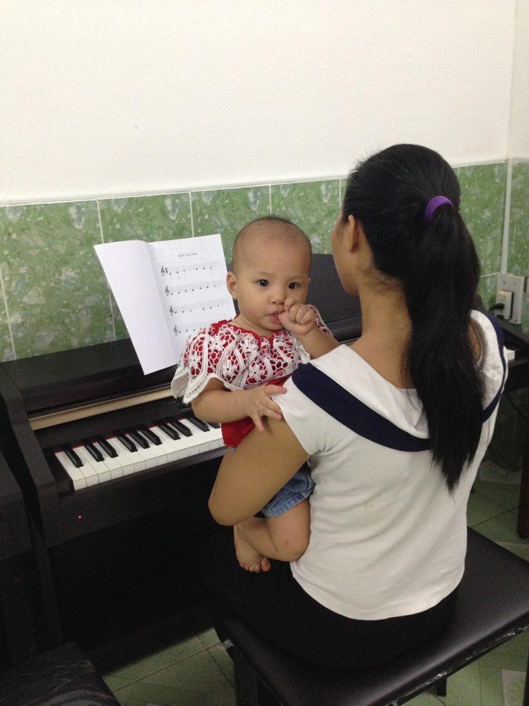 Chị Loan - Lớp học đàn piano căn bản