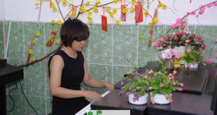 Ngô Ly Kha tham gia biểu diễn piano ở Upponia