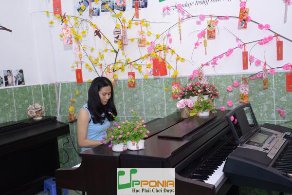 Chị Lương - Lớp học piano người lớn tại Trung Tâm Âm Nhạc Upponia