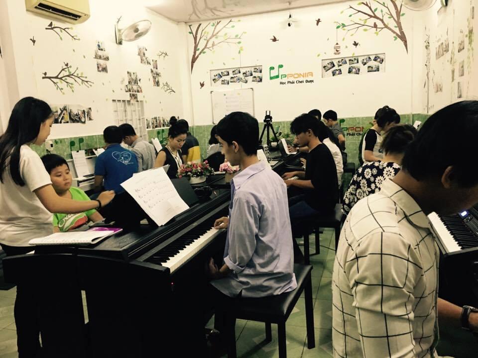 Lớp học piano chuyên ngành sư phạm âm nhạc tuyển sinh