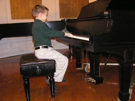 NÊN CHO TRẺ HỌC ĐÀN PIANO TỪ MẤY TUỔI?