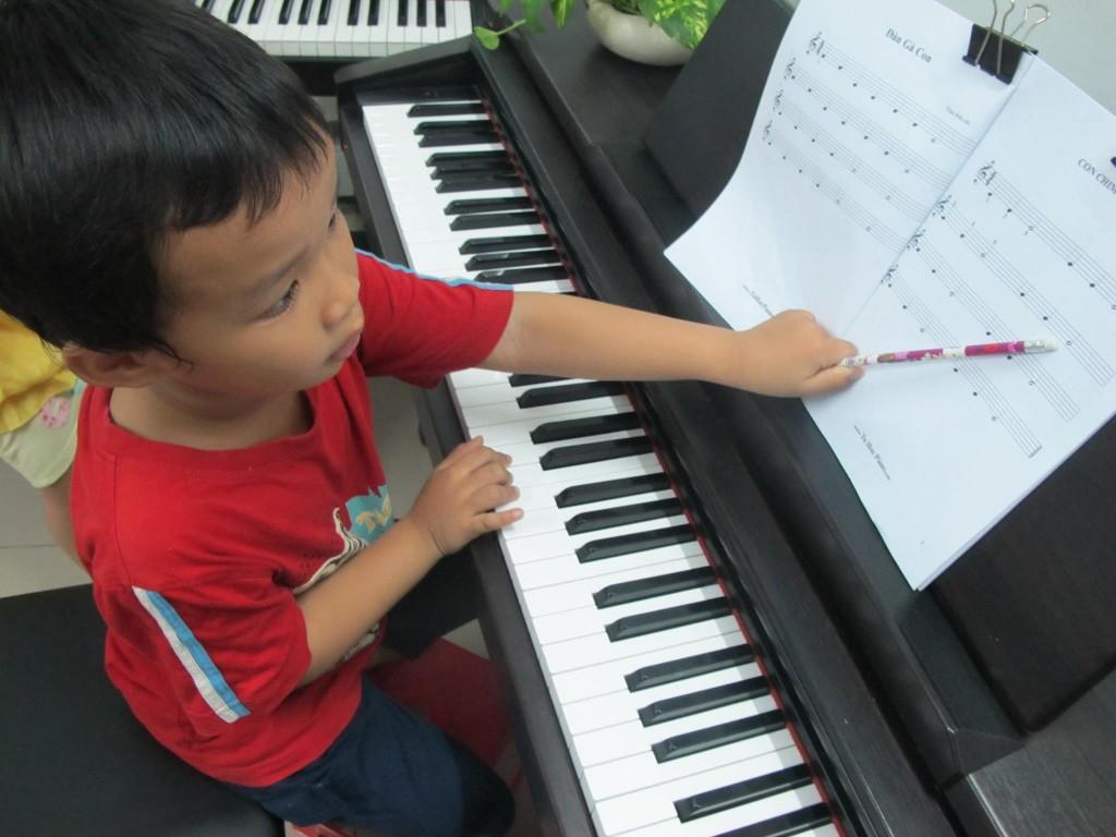 Vĩnh Phat - Lớp piano căn bản trẻ em