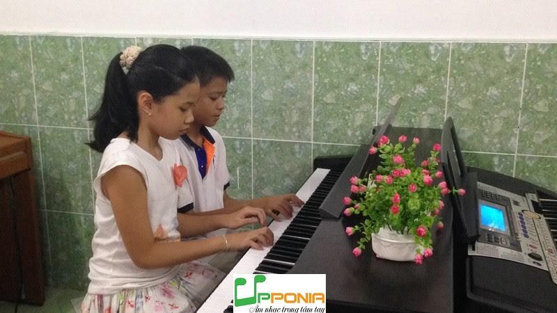 Nguyễn Chấn - Minh Anh Piano căn bản Upponia