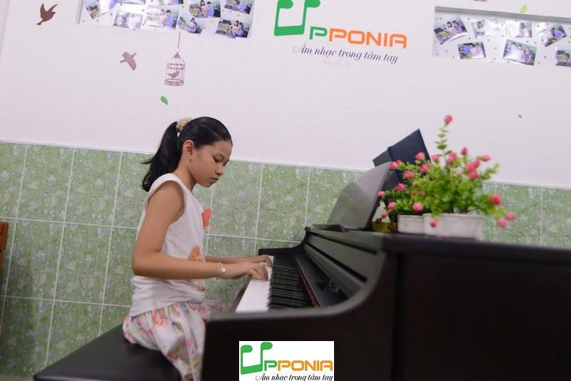 Lớp piano cho trẻ em Thủ Đức - Bé Minh Anh