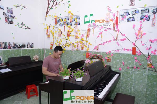 Hoàng Huy - Lớp Piano người lớn của Trung Tâm Âm Nhạc Upponia