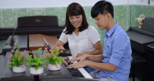 Đam mê âm nhạc và chia sẽ kiến thức học được cho người cần là tố chất quan trọng của giáo viên âm nhạc
