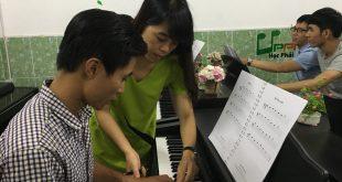 Học piano để xả stress với upponia