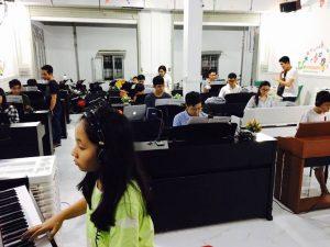 Lớp học piano của Trung tâm âm nhạc Upponia